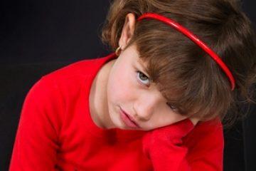 """טראומה נפשית שמקורה בילדות – """"הלם ילדות"""" והטיפול בו"""